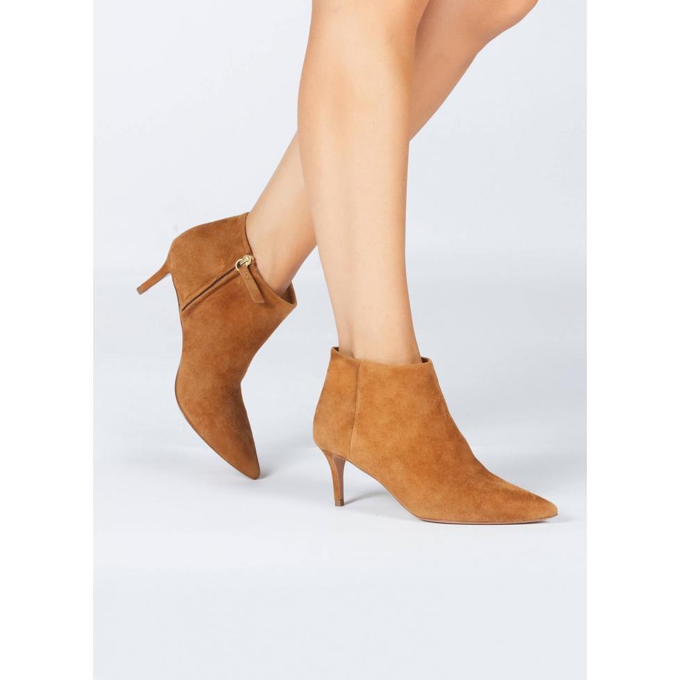 Botines camel de medio tacón - tienda de zapatos Pura López