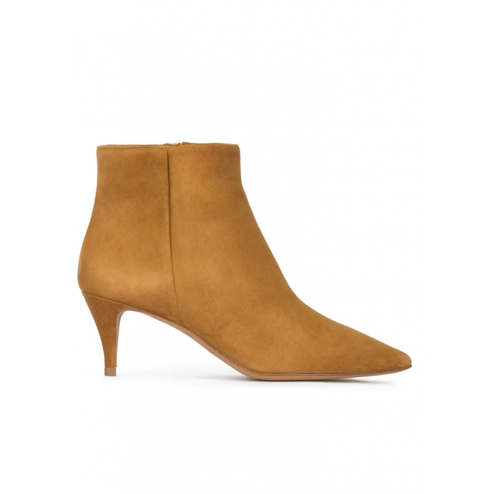 Mid-heeled pointed toe ankle boots in camel suede