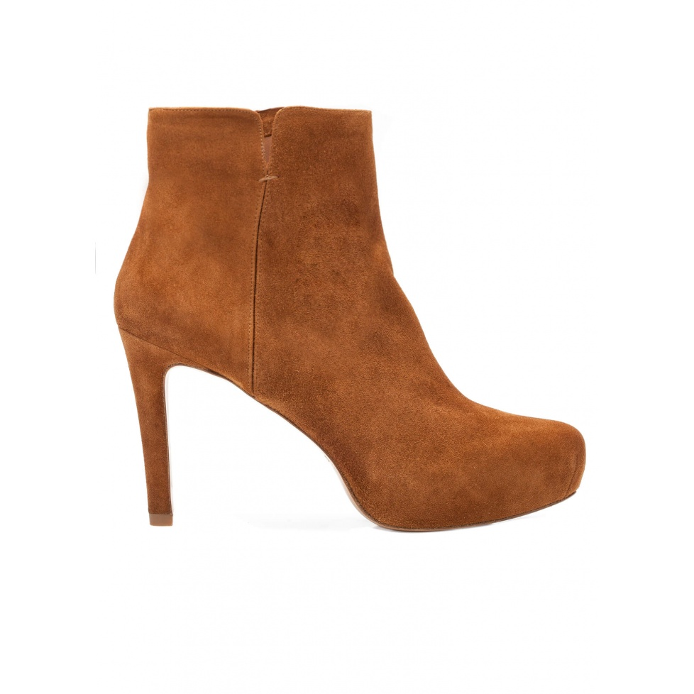 Mid heel ankle boots in chestnut suede