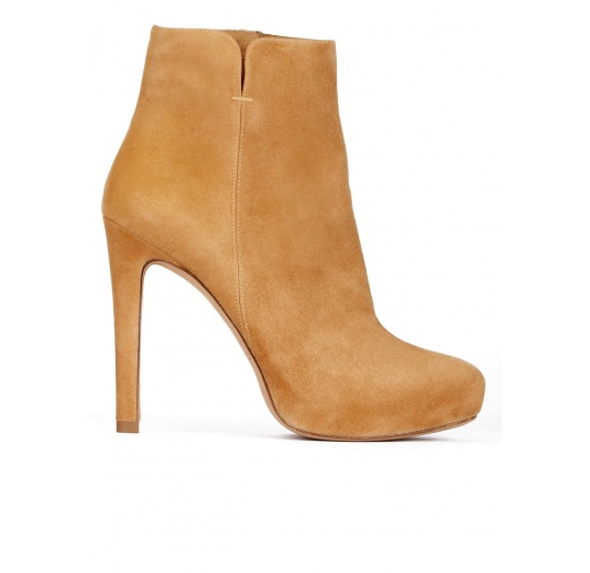 Camel suede high heel ankle boots with concealed platform Pura López