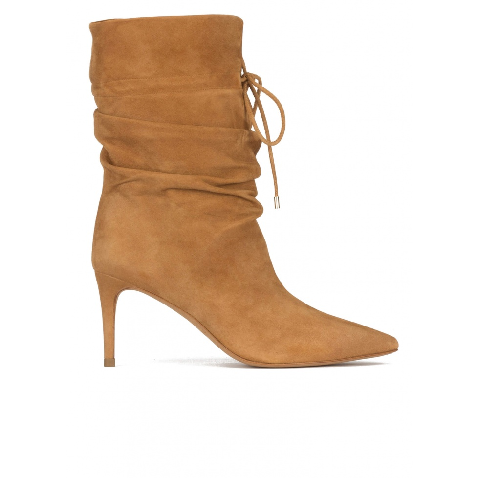 Slouchy mid-heel pointed toe ankle boots in camel suede