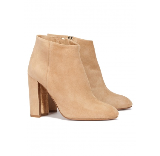 Camel suede high block heel ankle boots Pura L�pez