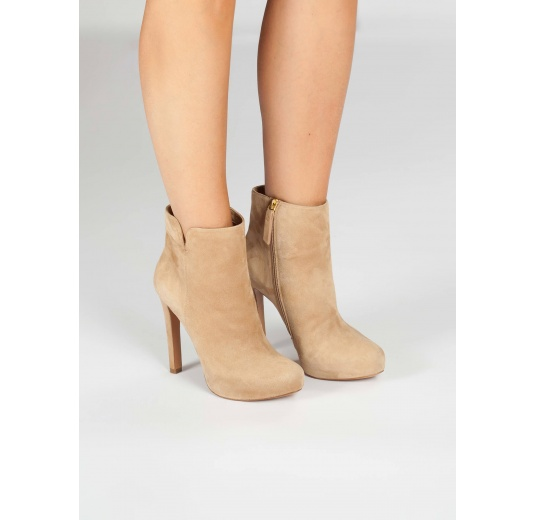 Camel suede high heel ankle boots Pura L�pez