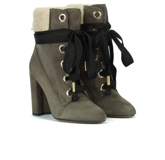 Lace-up high block heel ankle boots in military green suede Pura López