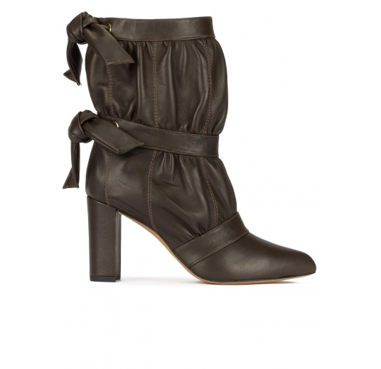 High block heel pointed toe ankle boots in khaki green nappa leather Pura L�pez