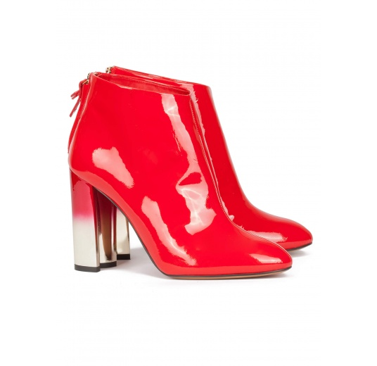 High block heel ankle boots in red patent leather Pura L�pez