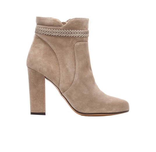 High heel ankle boots in taupe suede with leather stitching Pura López