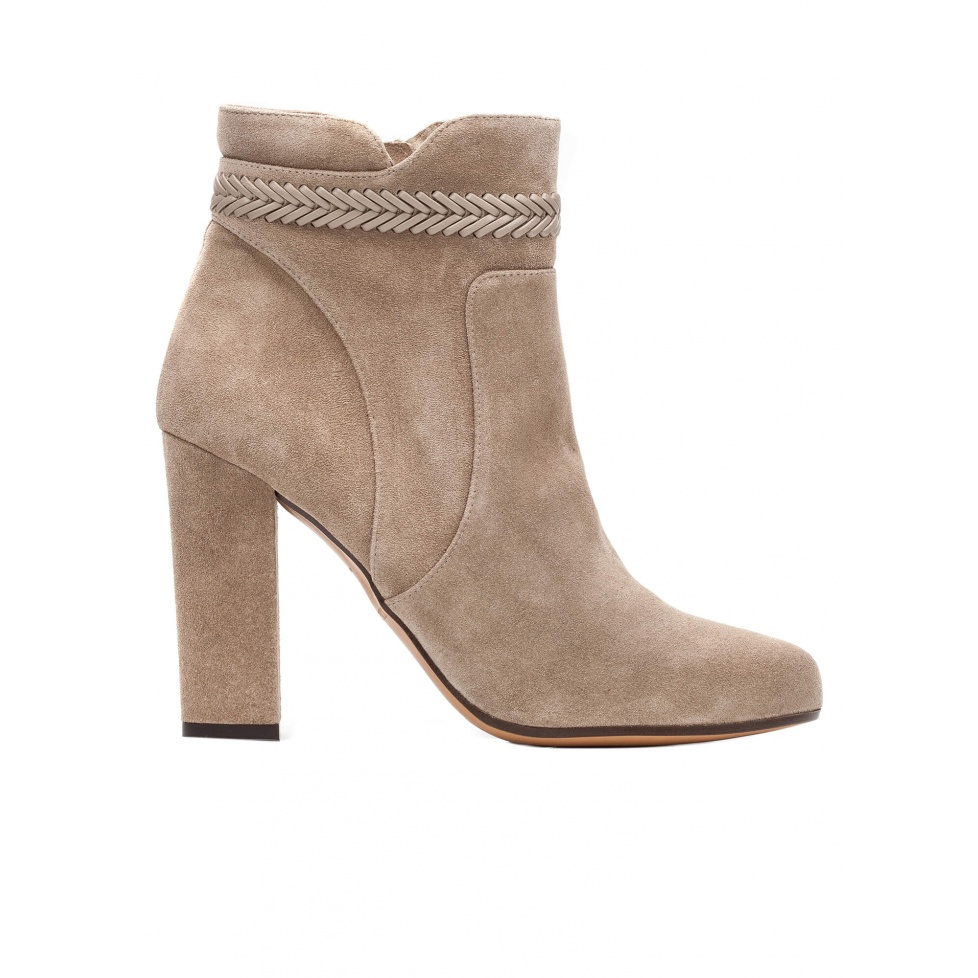 High heel ankle boots in taupe suede with leather stitching