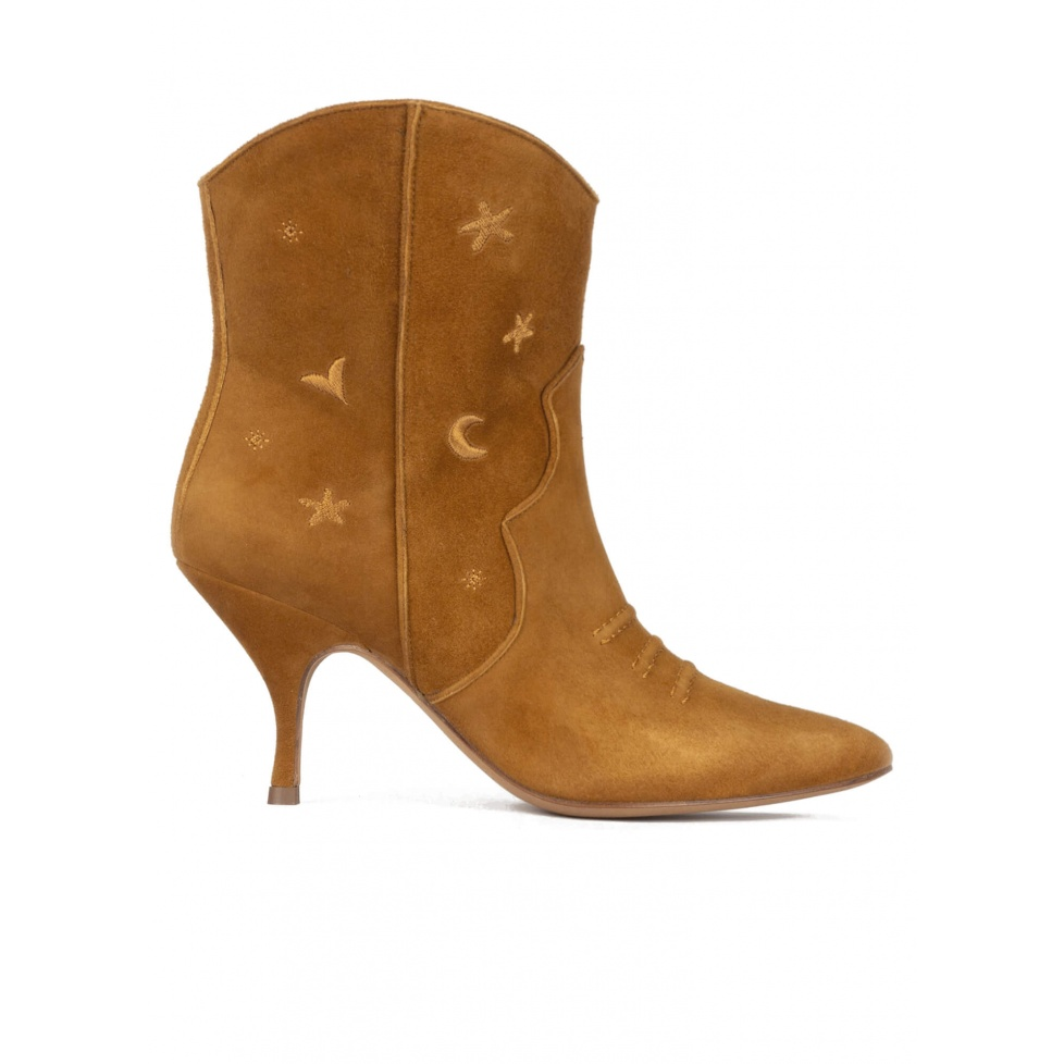 Curved heel cowboy ankle boots in camel suede