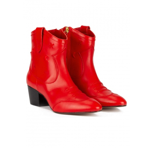 Red cowboy ankle boots in leather with embroidery Pura L�pez