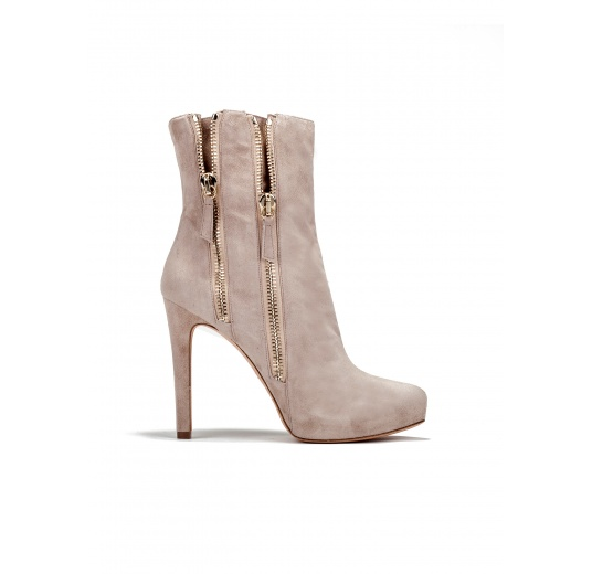 High heel ankle boots in sand suede Pura L�pez
