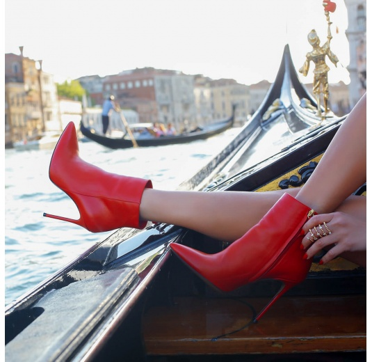 Red leather heeled pointy toe ankle boots Pura L�pez