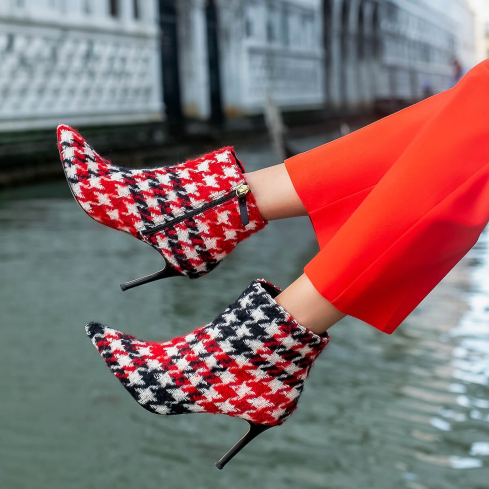 Houndstooth high heel pointy toe ankle boots
