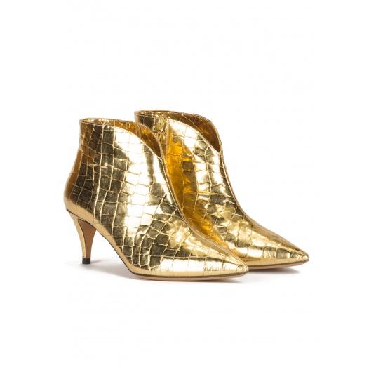 Botines dorados de tacón medio en piel con efecto cocodrilo Pura L�pez