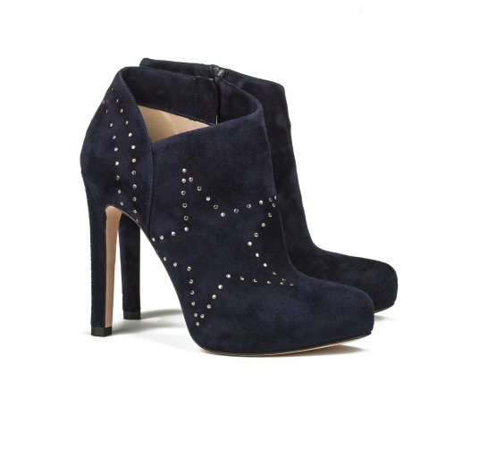 Platform high heel ankle boots in navy blue suede Pura López