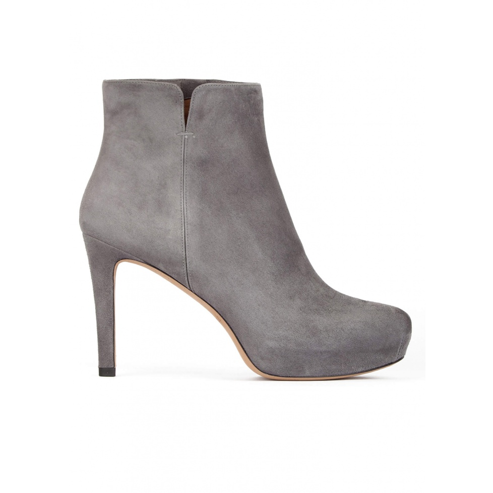 Mid heel ankle boots in grey suede with concealed platform