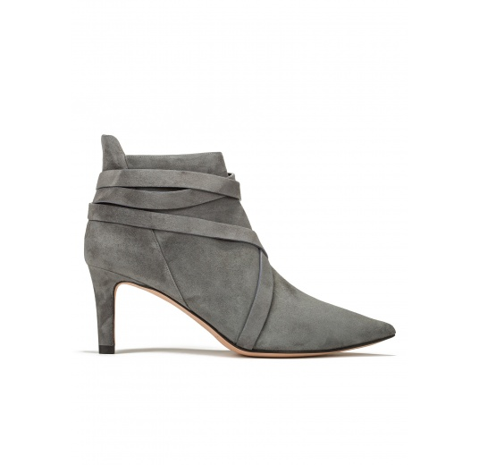 Mid heel ankle boots in grey suede Pura L�pez