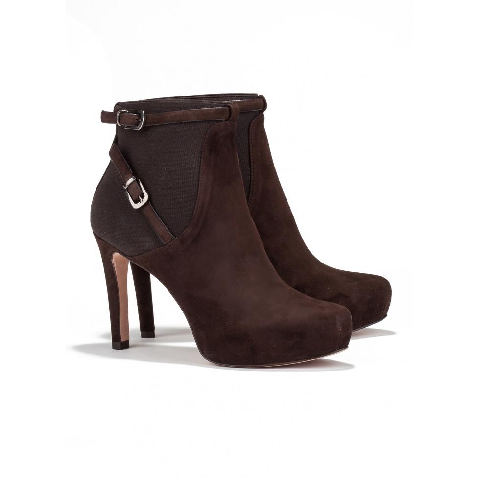 Botines de tacón medio en ante marrón -tienda de zapatos Pura López