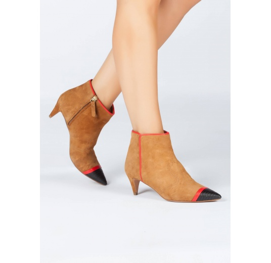 Patent detailed toe kitten heel ankle boots in camel suede Pura L�pez