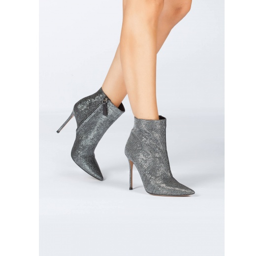Metallic high heel pointy toe ankle boots in chain-pattern fabric Pura L�pez