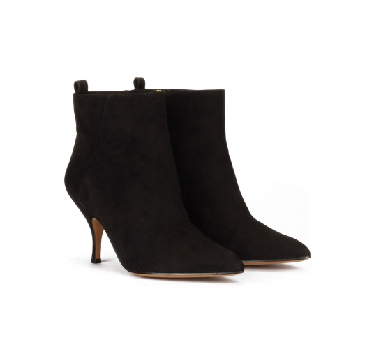 Mid heel point-toe ankle boots in black suede Pura L�pez
