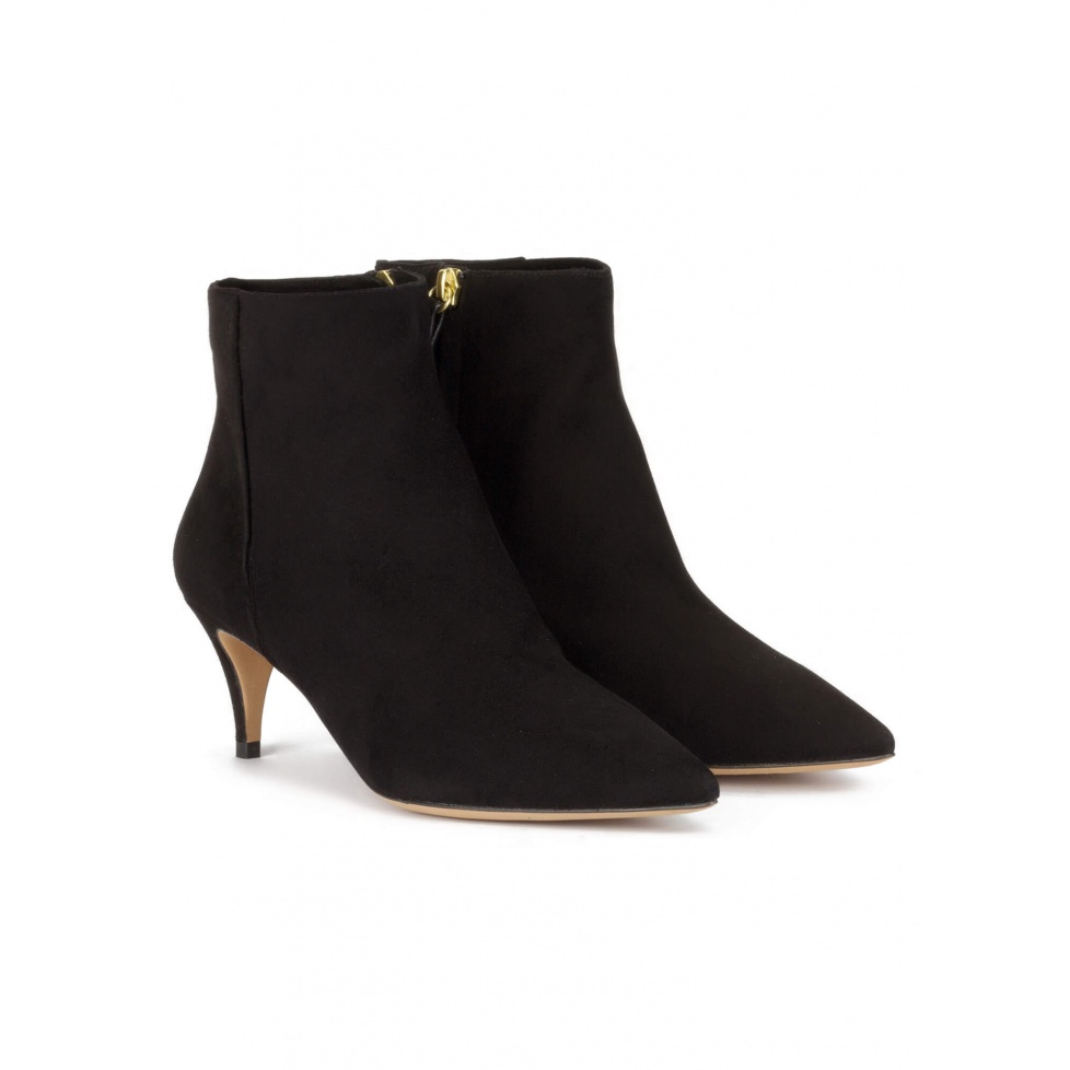 Mid heel pointy toe ankle boots in black suede