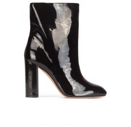 High block heel ankle boots in black patent Pura López