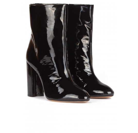 High block heel ankle boots in black patent Pura L�pez