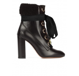 Black leather fleece ankle cuff lace-up high block heel ankle boots Pura López