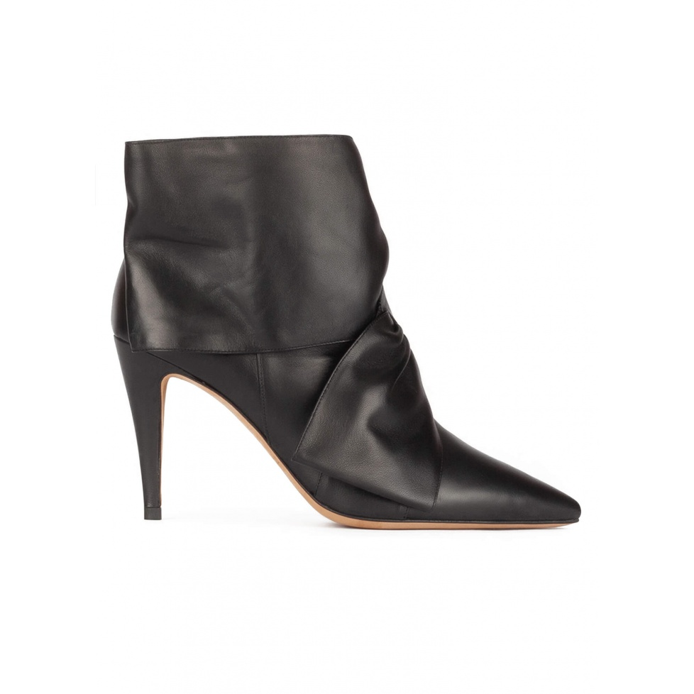 High heel point-toe ankle boots in black nappa leather