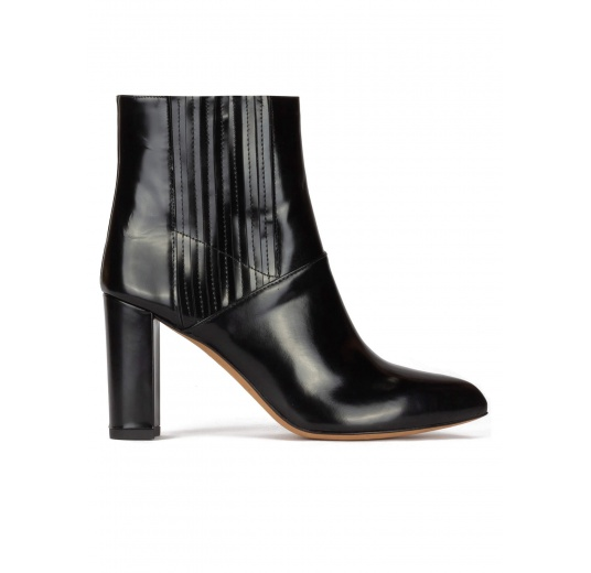 High block heel pointy toe ankle boots in black leather Pura L�pez