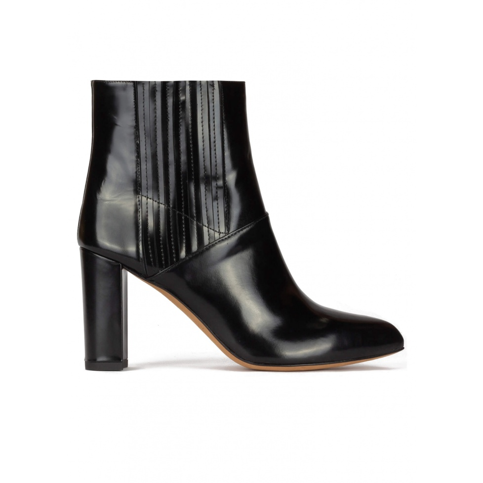 High block heel pointy toe ankle boots in black leather