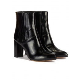 High block heel pointy toe ankle boots in black leather Pura López