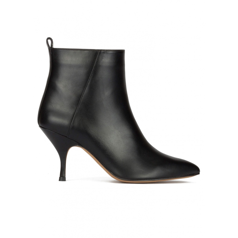 Curved mid heel ankle boots in black leather