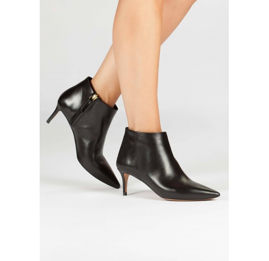 Mid heel point-toe ankle boots in black leather Pura L�pez