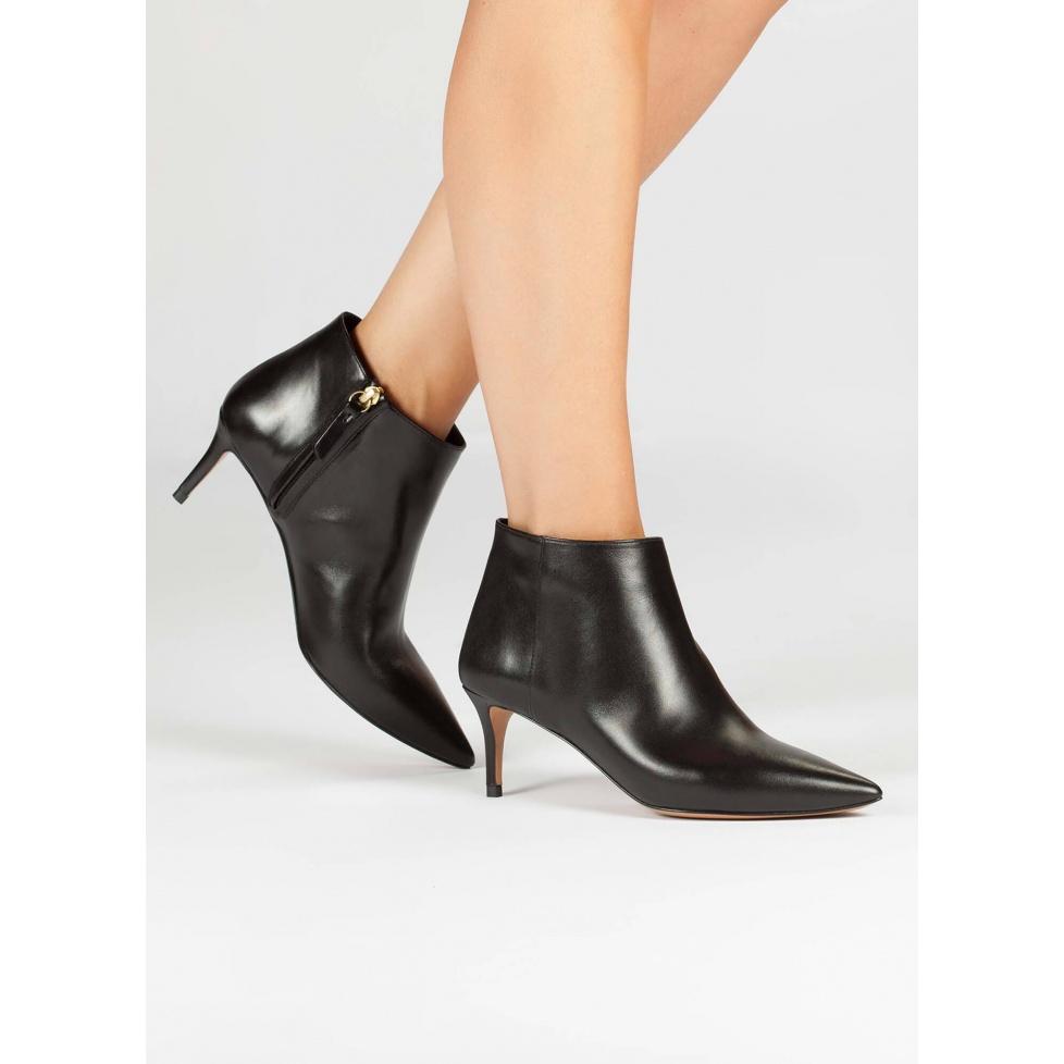 Botines negros de medio tacón - tienda de zapatos Pura López