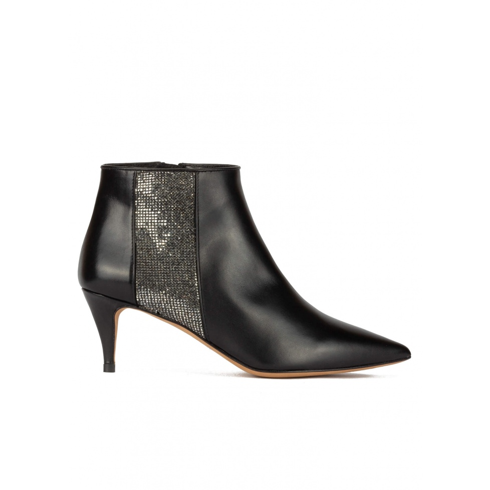 Mid heel point-toe ankle boots in black leather with strass