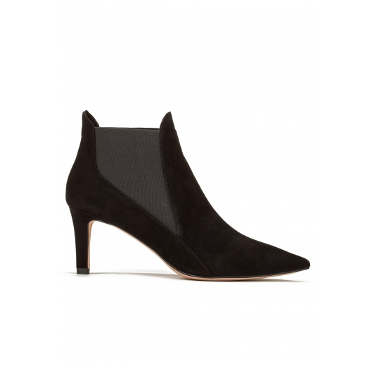 Mid heel ankle boots in black suede Pura L�pez