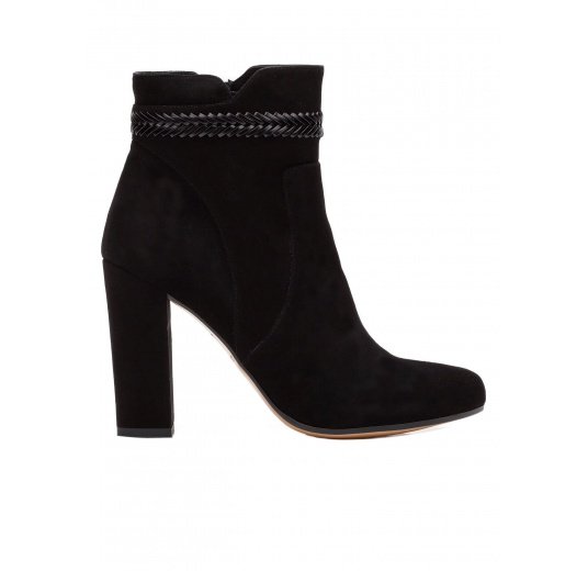 High heel ankle boots in black suede with leather stitching Pura L�pez