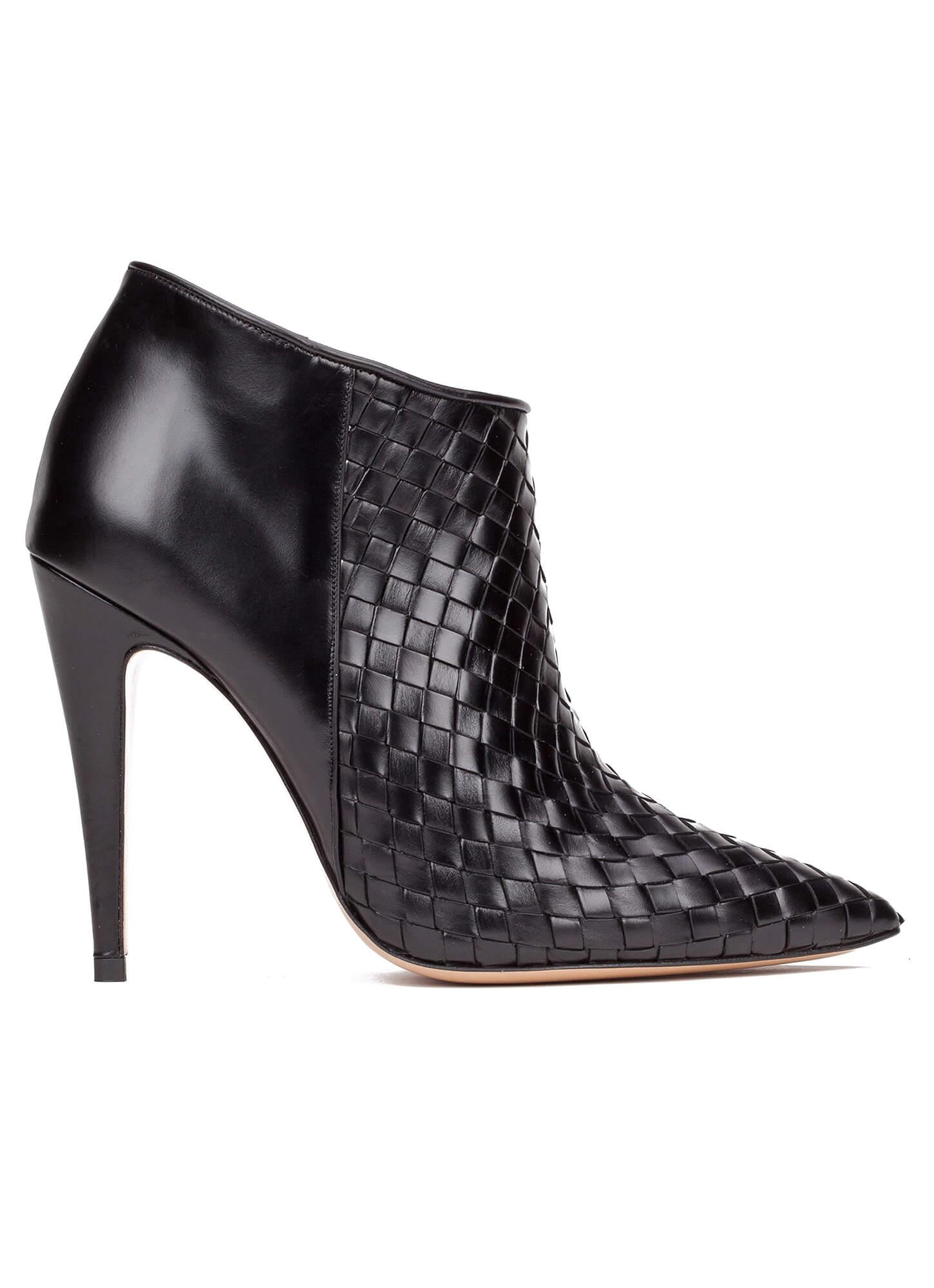13a3acc0ccf Botines negros de tacón alto en piel - tienda de zapatos Pura López ...