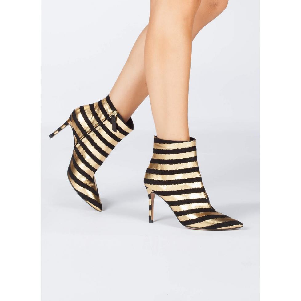 Botines de tacón alto y punta fina a rayas doradas y negras