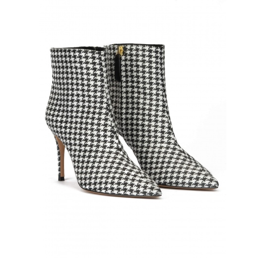 Houndstooth print point-toe heeled ankle boots Pura L�pez