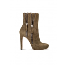 High heel ankle boots in kaki suede Pura López