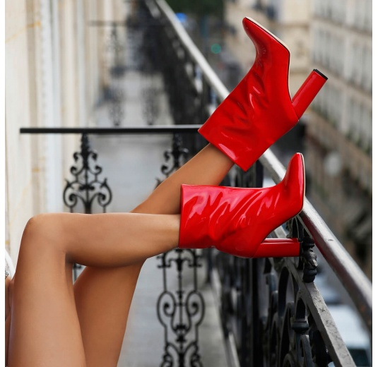 Red high block heel ankle boots in patent Pura L�pez