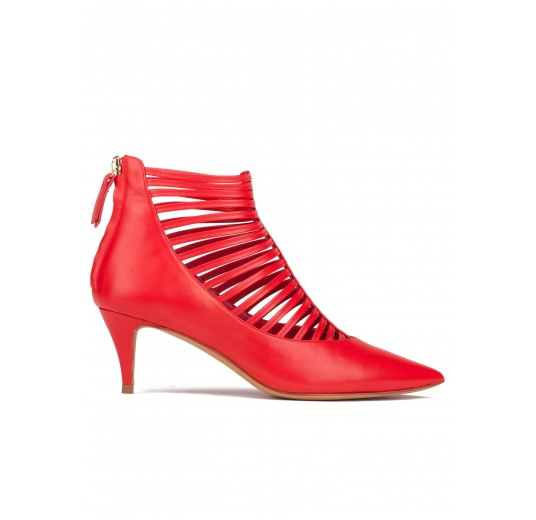 Mid heel shoes in red leather Pura L�pez