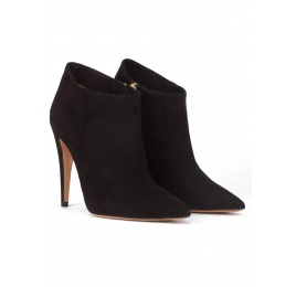 High heel pointy toe ankle boots in black suede Pura López