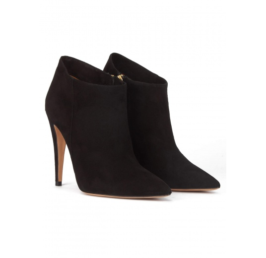 High heel pointy toe ankle boots in black suede Pura L�pez