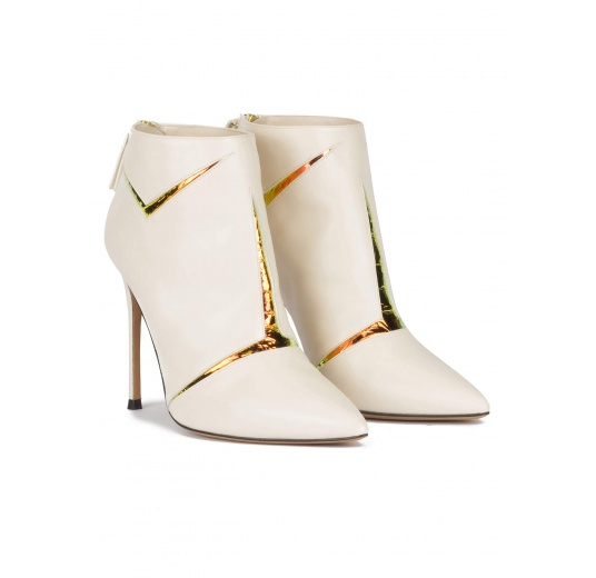 High heel pointy toe ankle boots in off-white leather with gold detail Pura L�pez