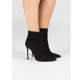 High heel point-toe ankle boots in black suede Pura López