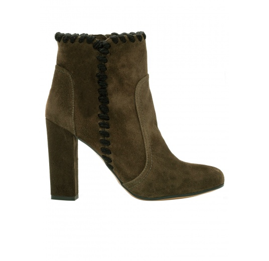 High heel ankle boots in army green suede Pura L�pez